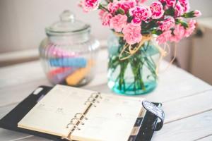 rsz_flowers-desk-office-vintage